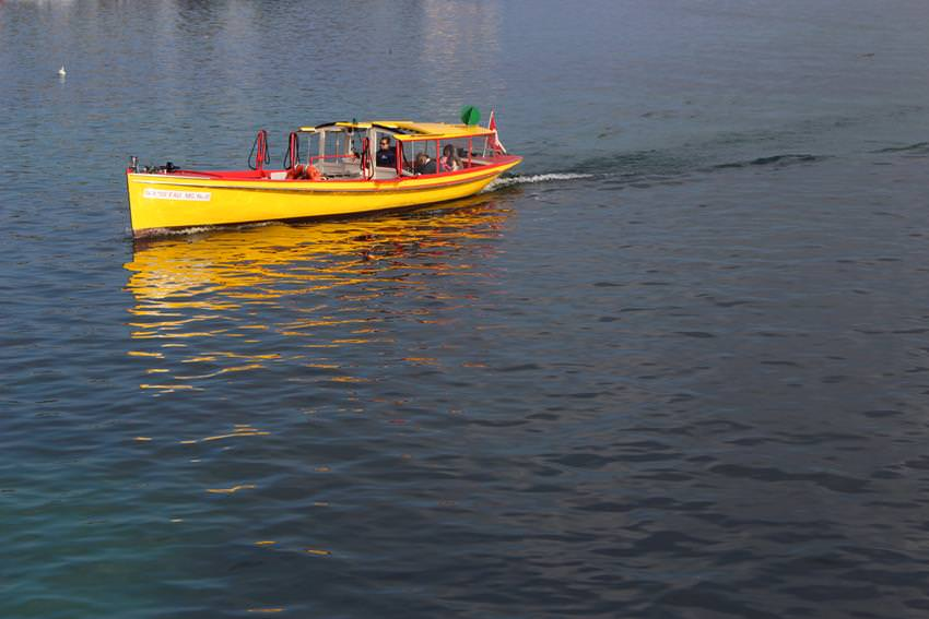 water-taxi-geneva